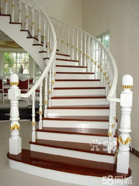 描金雕刻弧形实木楼梯