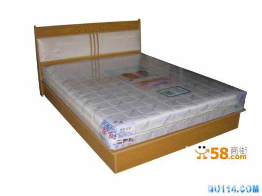 名称:双人席梦思床箱 尺寸:1.5米宽*1.9米长(含床头2.05米) 材质:二次成型环保颗粒板,抗弯强度高,表面硬,不怕划,抗磨损,易擦洗,不起皮,不掉色 颜色:白象色 价格: 此款床含普通床垫价格是----600元 配22厘米强力王床垫-------730元 注;以上价格床箱不带液压升降器,如需加装升降器另加50元。 亲:您的满意是我们最大的欣慰,我们珍惜每一位顾客,相信有您的支持,我们会做得更好。 联系电话:15910327582
