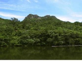 九谷口自然风景区位于怀柔县怀北镇河防口,沿怀
